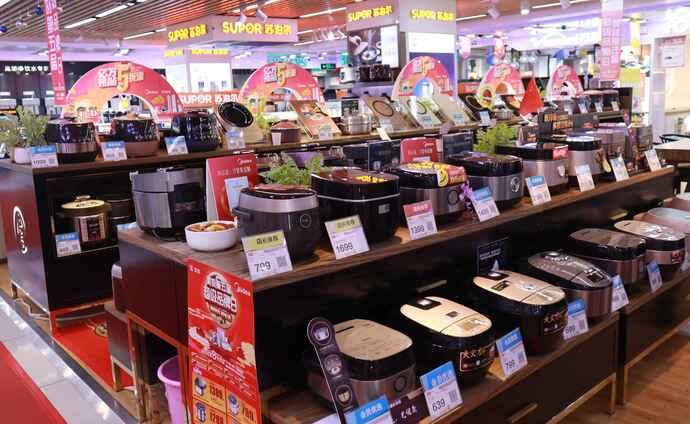 炊飯器は同じアジア圏ならではの品ぞろえ
