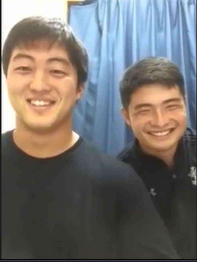 オンライン取材に応えた帝京大の松本主将(左)と神座