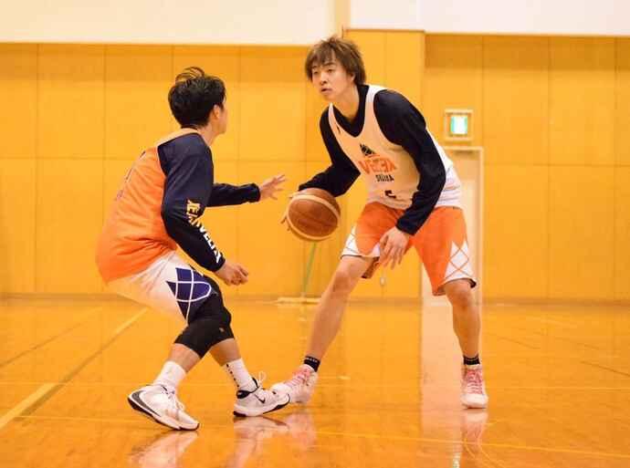 練習するB3ベルテックス静岡の山下颯選手