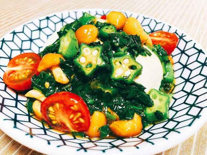夏野菜たっぷり甘辛たれの冷やっこ