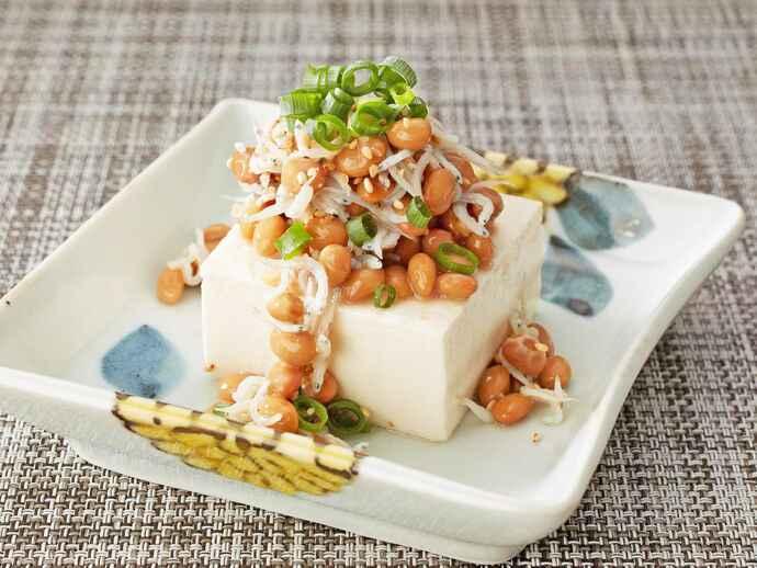 納豆かけ豆腐