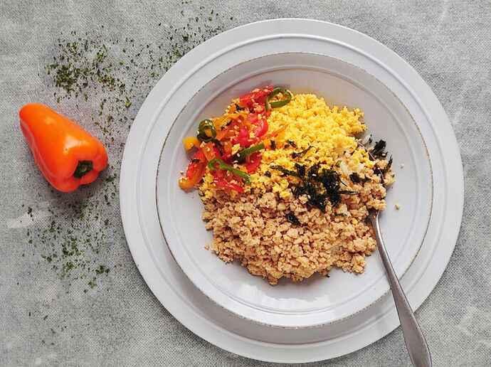 鶏むね肉と大豆のそぼろご飯